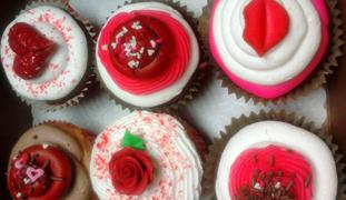 vday-cupcakes