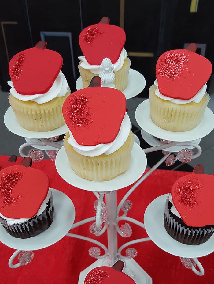 Big-Apple-Cupcakes